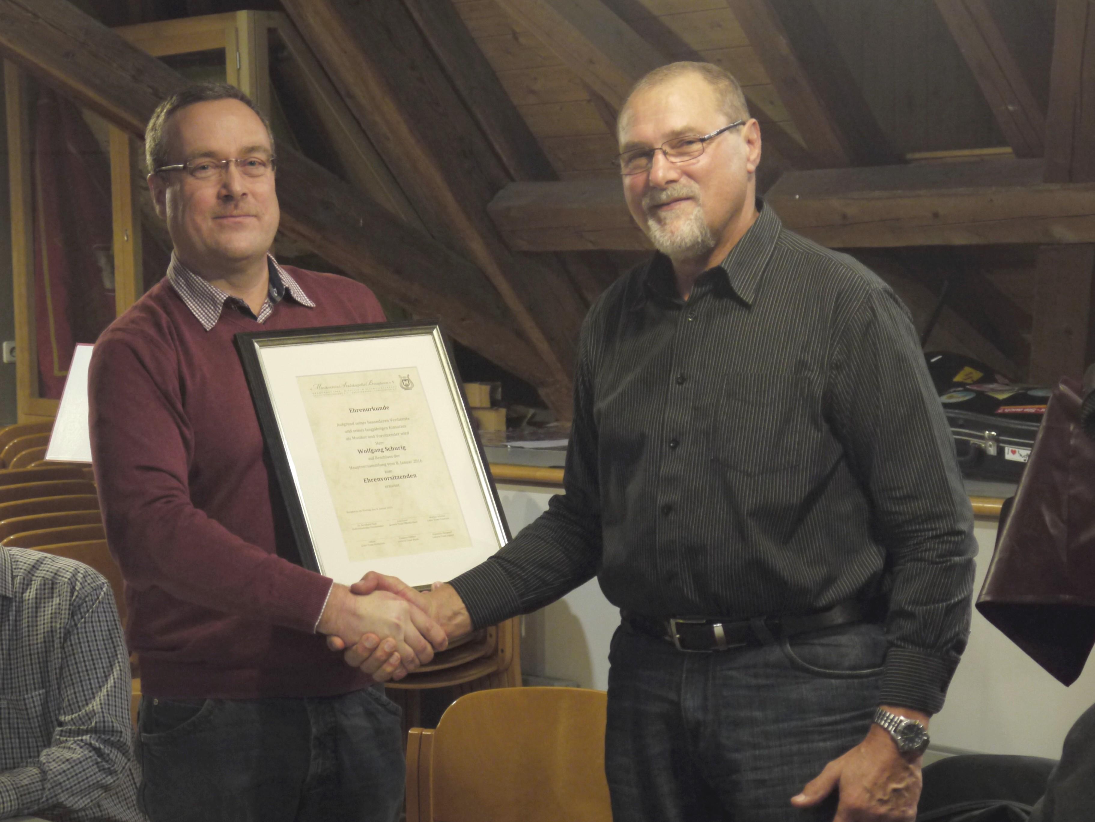 Übergabe Ehrenurkunde Dr. Bernhard Pauli und Wolfgang Schurig